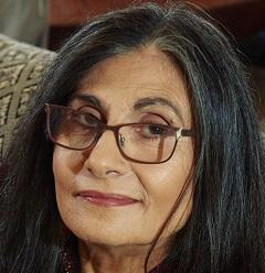 Yvonne Wakim Dennis